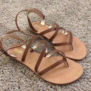 ⚡️MOSSIMO   Camel Sandals